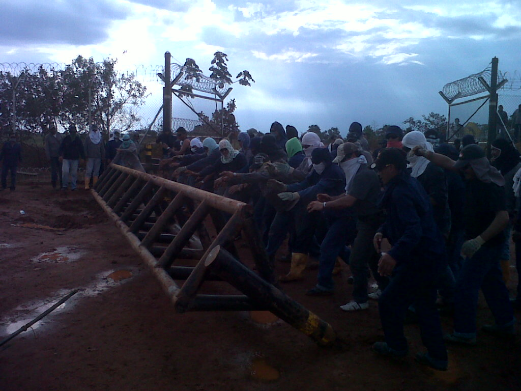 Octubre 2011: Fotografías: La USO Denuncia Que Pacific Rubiales Está