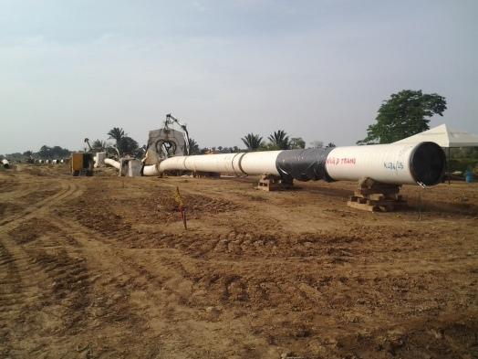 Tubería del oleoducto Bicentenario en las fincas de la vereda San Salvador-Tame (Arauca)
