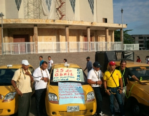 Momento de la protesta en la Plaza de la Paz.